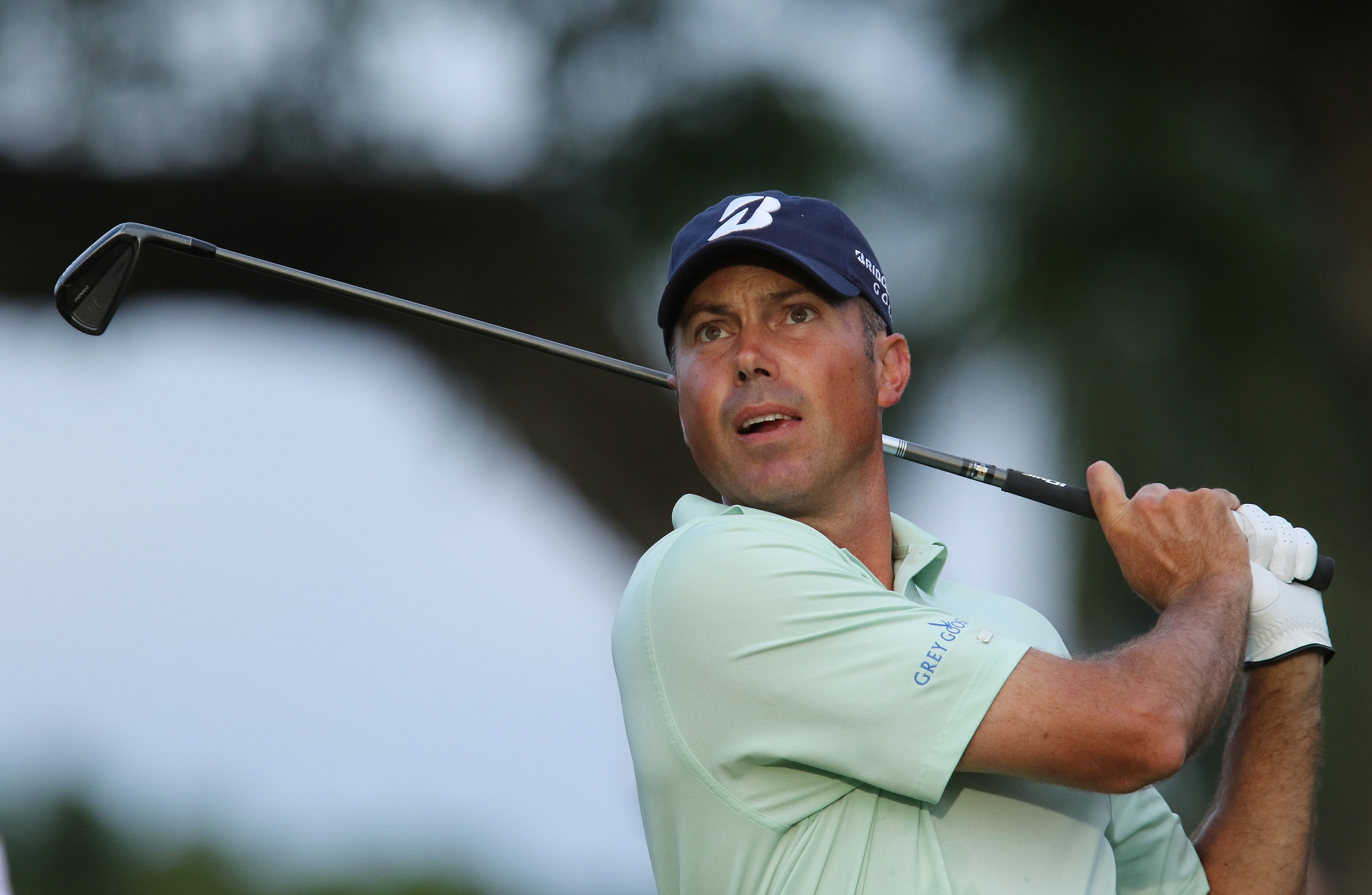 Matt Kuchar follows his ball after teeing off on the 11th holeduring the first round of the Sony Open golf tournament, Thursday, Jan, 15, 2015, in Honolulu, Hawaii.  (AP Photo/Hugh