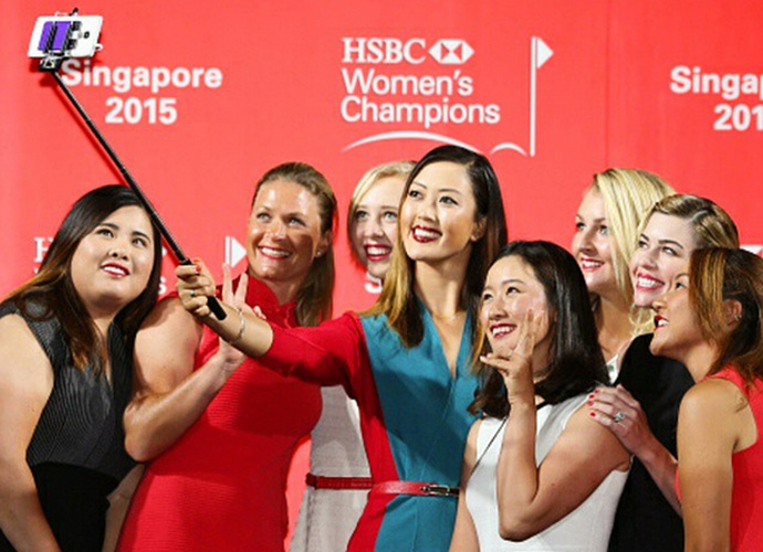 Ultimate selfie time #HSBC #anyonesgame #Singapore #LPGA Loving our outfits from @shanghaitang!!