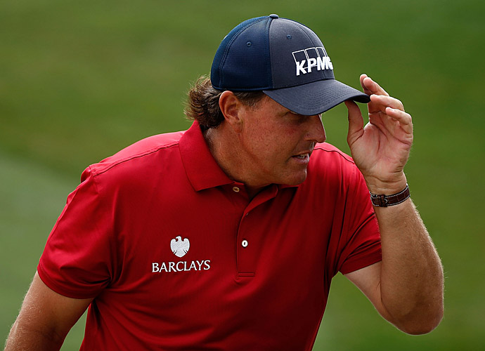 Starting the day one back of the lead, Phil Mickelson struggled to keep up with the leaders.