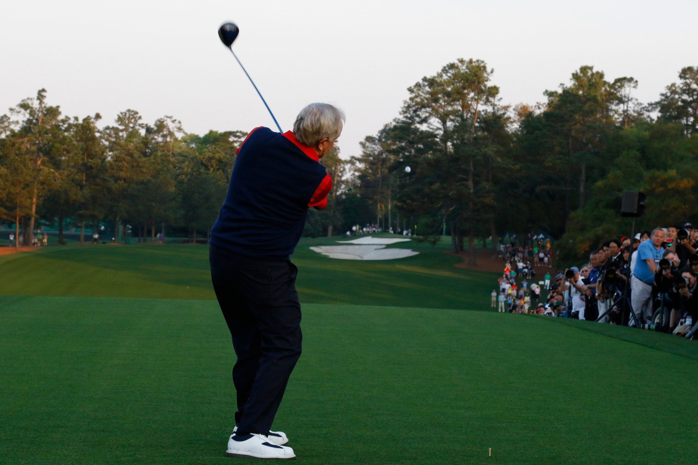 Jack Nicklaus hit a high fade off the tee on No. 1. Yes, he's still got it.