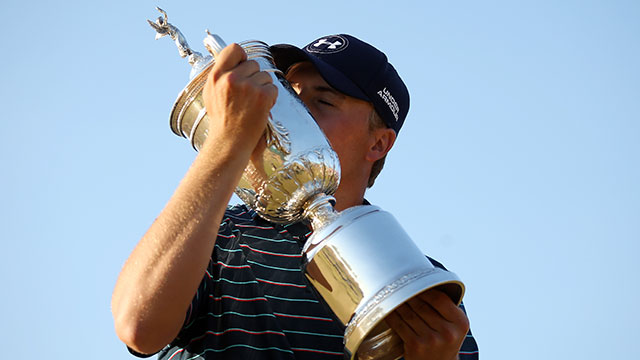 Jordan Spieth poses with the U.S. Open trophy.