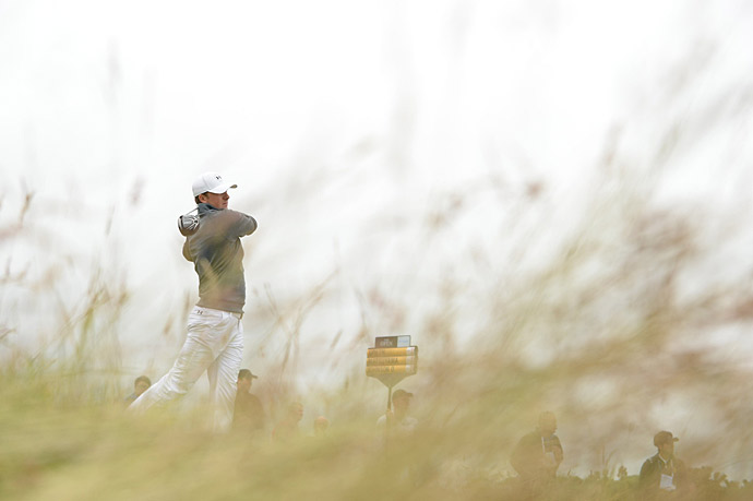 Jordan Spieth continued his recent stellar play, firing a five-under 67 in his first competitive round at St. Andrews.