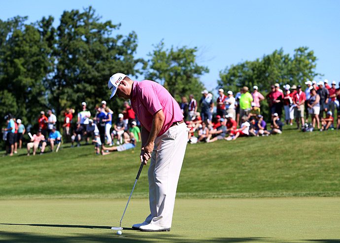 Chad Campbell took the lead with a second-round 63.