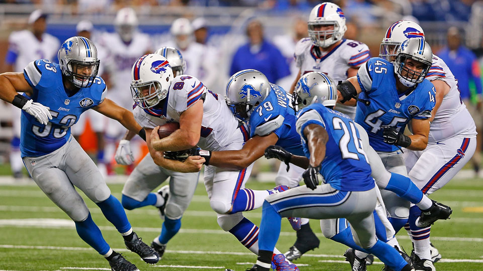 Nick O'Leary, 84, of the Buffalo Bills drives for a first down during the third quarter of a preseason game against the Detroit Lions on Sept. 3, 2015, at Ford Field in Detroit, Michigan.