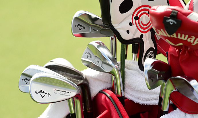 Harris English uses Callaway Mack Daddy 2 wedges.