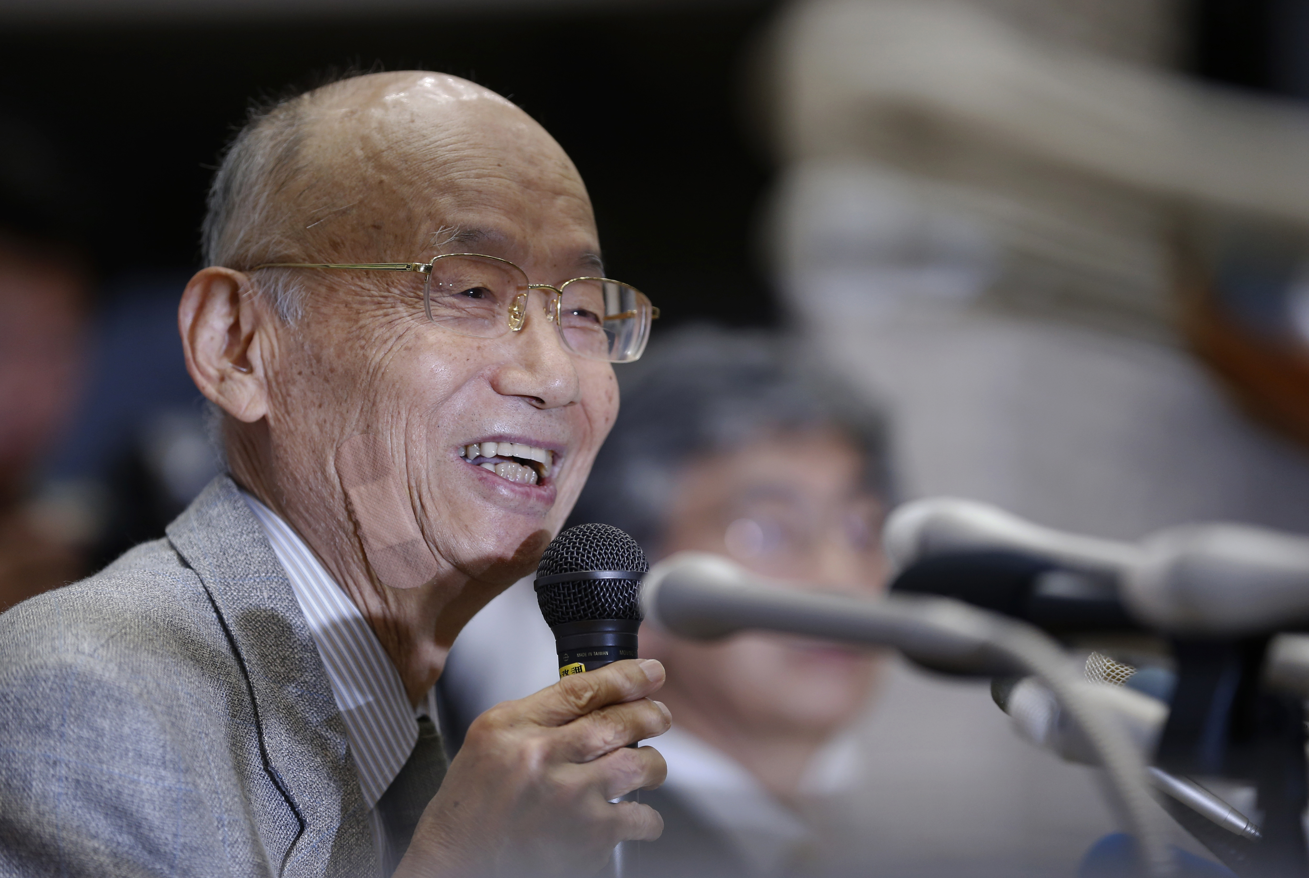 Kitasato University Prof. Emeritus Satoshi Omura attends a press conference at the university in Tokyo, Monday, Oct. 5, 2015. The Nobel judges awarded the prestigious prize to Omura, Irish-born William Campbell and Tu Youyou - the first-ever Chinese medic