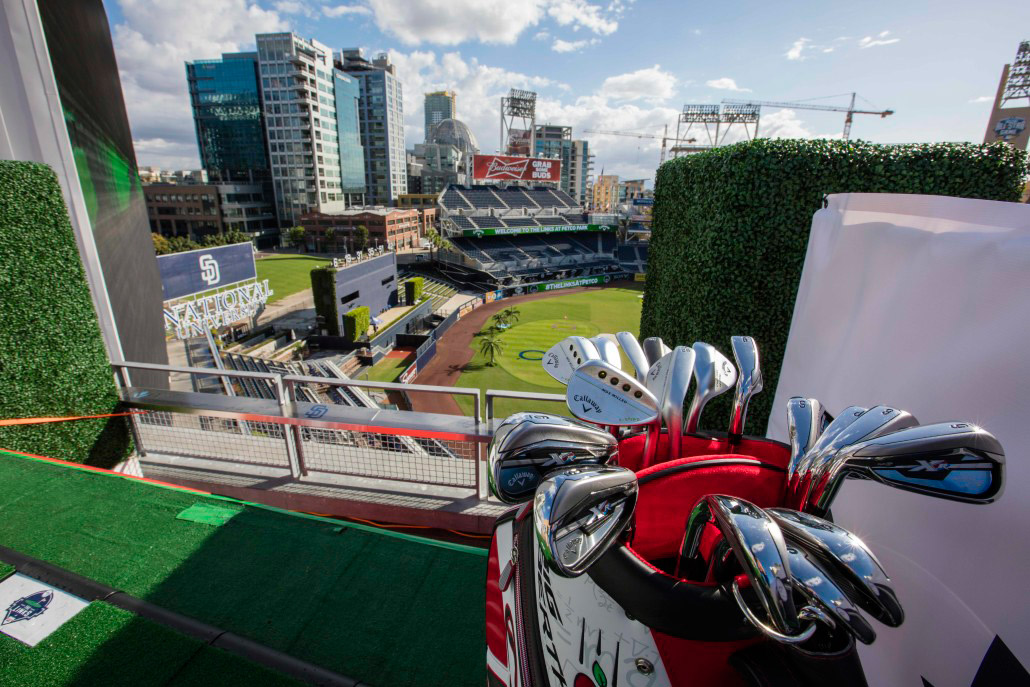 Players can win various prizes from Callaway Golf while playing the course.