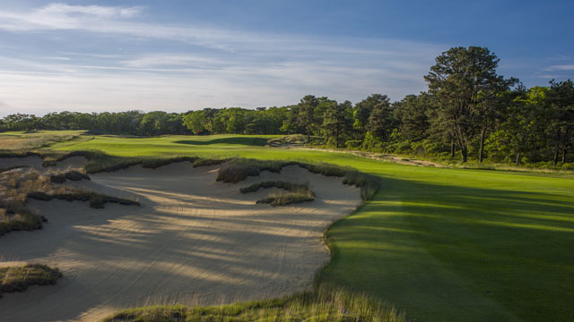 Artfully sculpted sprawls of sand help make Vineyard Golf Club the Best New Private Course.