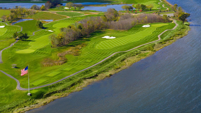 Membership has its privileges at Trump's new D.C.-area course, including views of the Potomac.