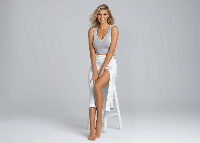 SI Swimsuit model Kelly Rohrbach spotted on the golf ...