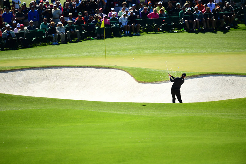 Jimmy Walker plays the second hole on Friday.