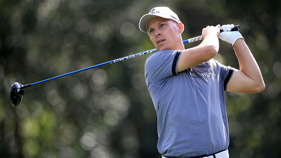 Ben Crane hits off the ninth tee during the first round of the 2016 Valspar Championship at Innisbrook Resort Copperhead Course.