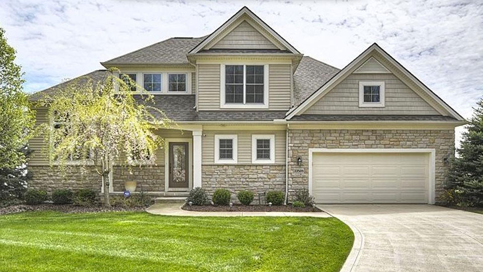 Johnny Manziel is selling his golf-course front house in Avon, Ohio.