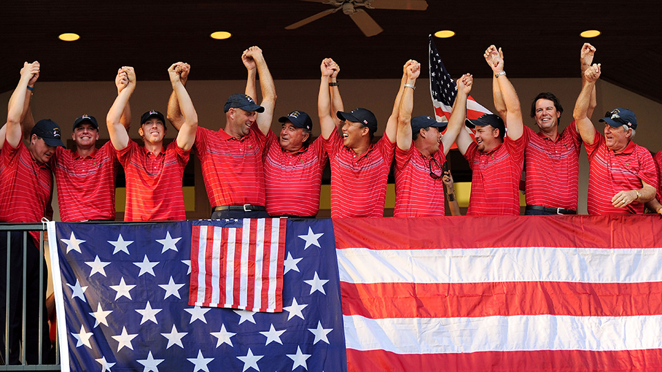The entire 2008 U.S. Ryder Cup team celebrated its 16 1/2 to 11 1/2 victory over the European side on a balcony at the Valhalla clubhouse.