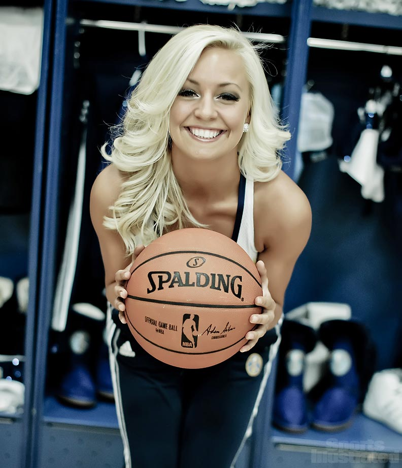 Denver Nuggets Dancers: Cheerleader Of The Week: Becca