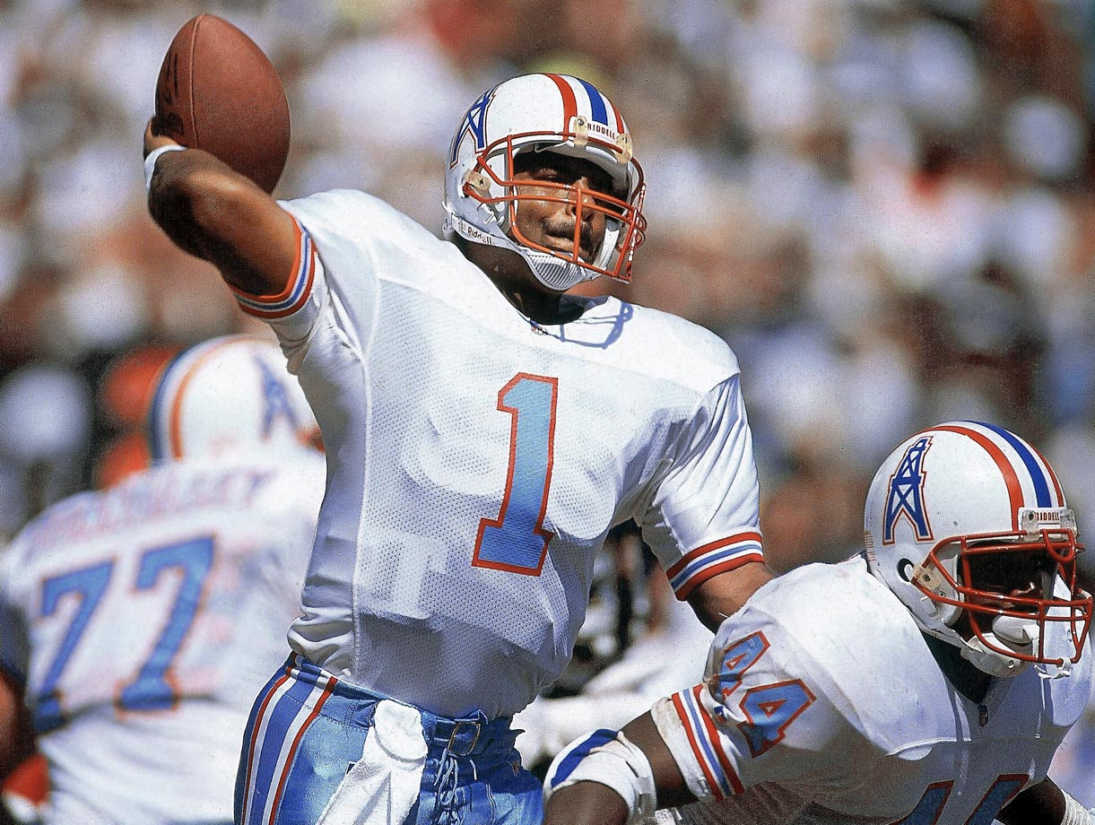 Moon threw for 21,000-plus yards and won five championships as a pro ... before even beginning his 17-season NFL career. A CFL Hall of Famer, Moon also carved out an NFL Hall of Fame career. He ranks seventh in career passing yards (49,325) and eighth in passing touchdowns (291).