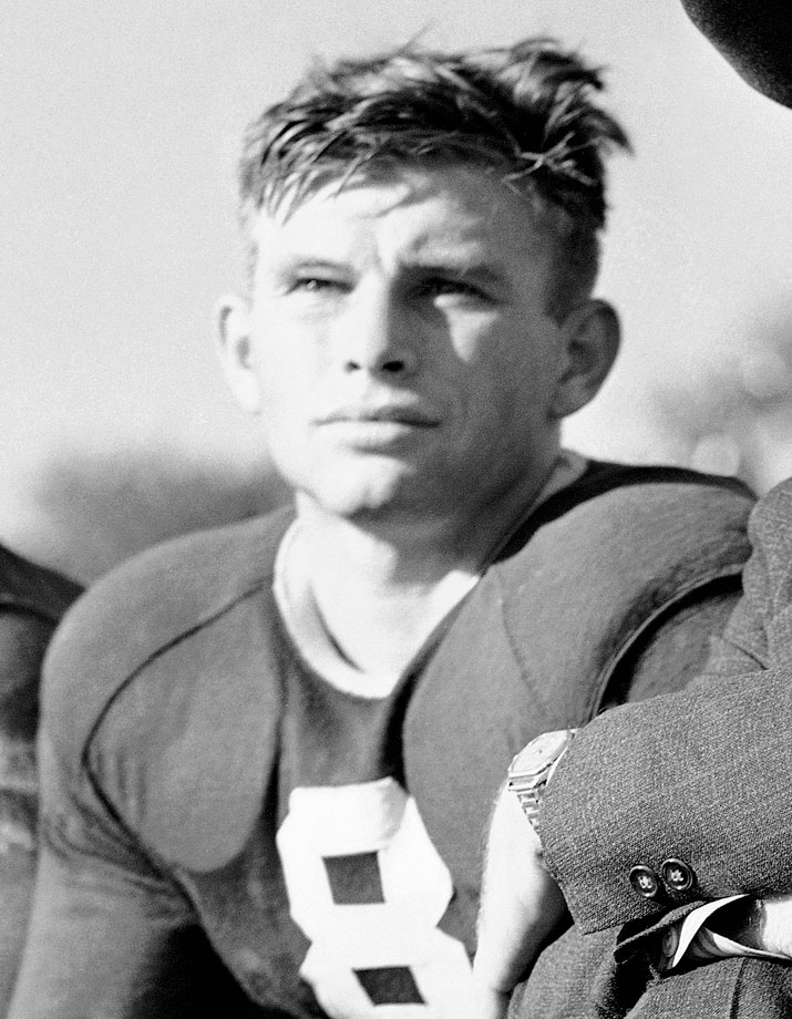 O'Brien led the Horned Frogs to an undefeated season in 1938, including a 15-7 victory over Carnegie Tech in the Sugar Bowl. That year, he became the first player to win the Heisman, Maxwell and Walter Camp trophies in the same year. The award for the country's best quarterback is named in his honor. — Runner-up: Harold Muller, End, Cal (1921-23)