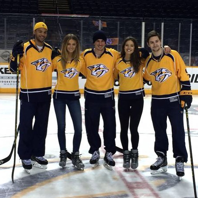 Head on over to Swim Daily (link in bio) to watch @emilydidonato1 & @katelynnebock learn some hockey pointers from the Nashville Predators.