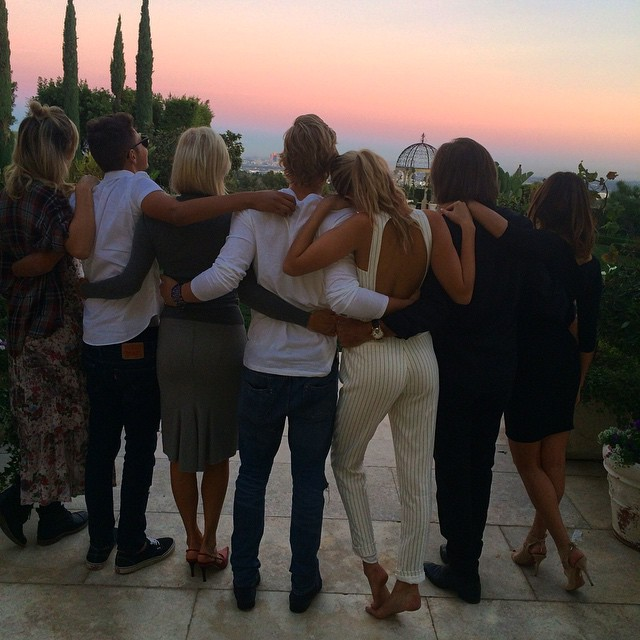 So much to be grateful for. Missing you @bellahadid & @mariellemama