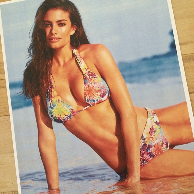 Love this @sunseekeraustralia bikini emoji️ Happy Monday xx #laurenmellor #sportsillustrated (photographer @jacquesw)