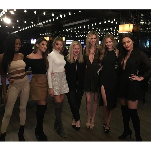 With this six pack of hotness at the @sportsillustrated #bracketselection party! @eboneedavis @kyrasantoroxx @danielalo322 @meganmayw @carolineannkelley @missmiakang