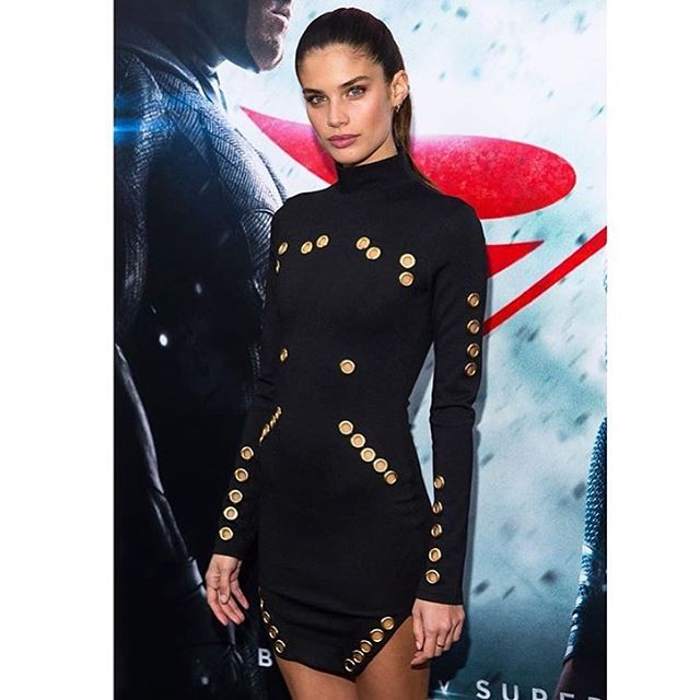 @sarasampaio at the #batmanvsuperman premiere