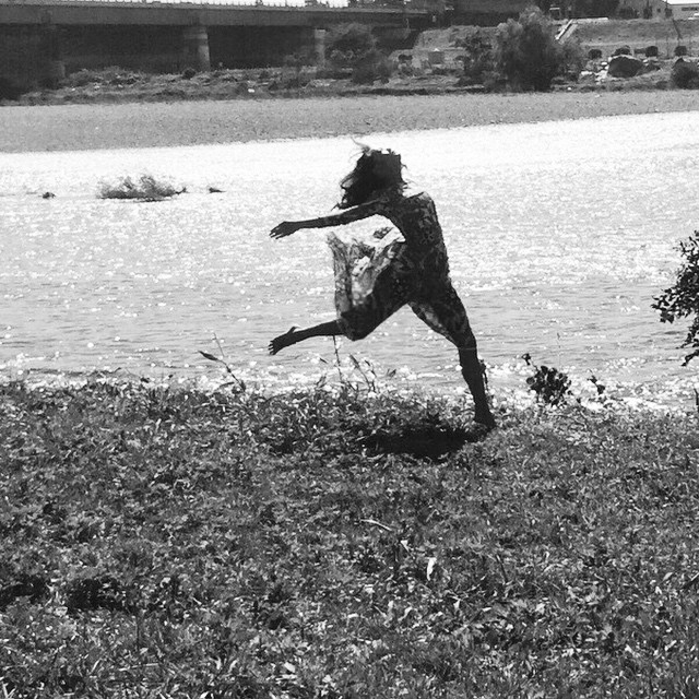 Free dance at the river #二子玉川 #Futakotamagawa #flowerpower #girlpower #blessed #JarahinJapan