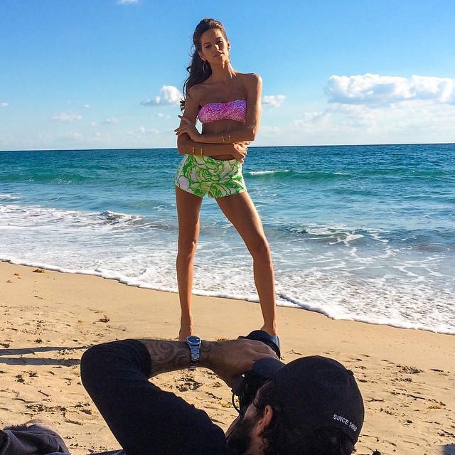 Lights! Camera! Action! Here I go!! It's photo shoot time!! #miami #bastidores #work #action #photoshoot #hereigoagain shoot by @rbello