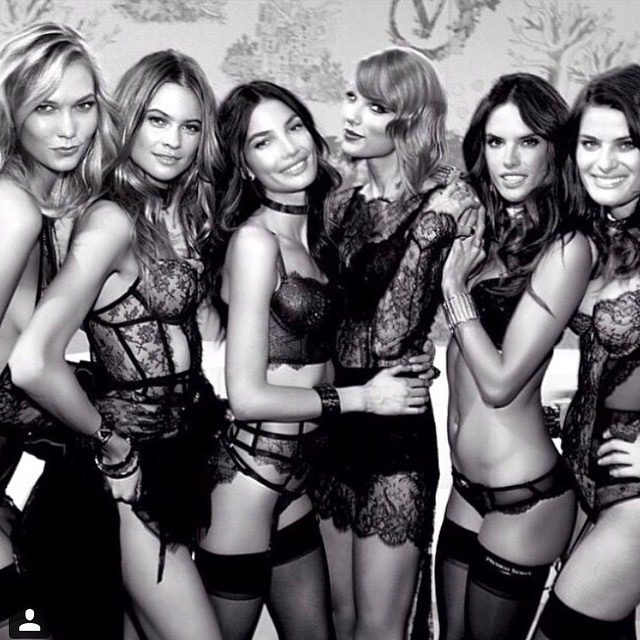 That's a wrap London #VSFashionShow @victoriassecret