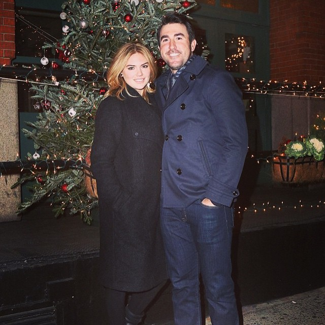 Happy holidays! Loving my @expressrunway coat!