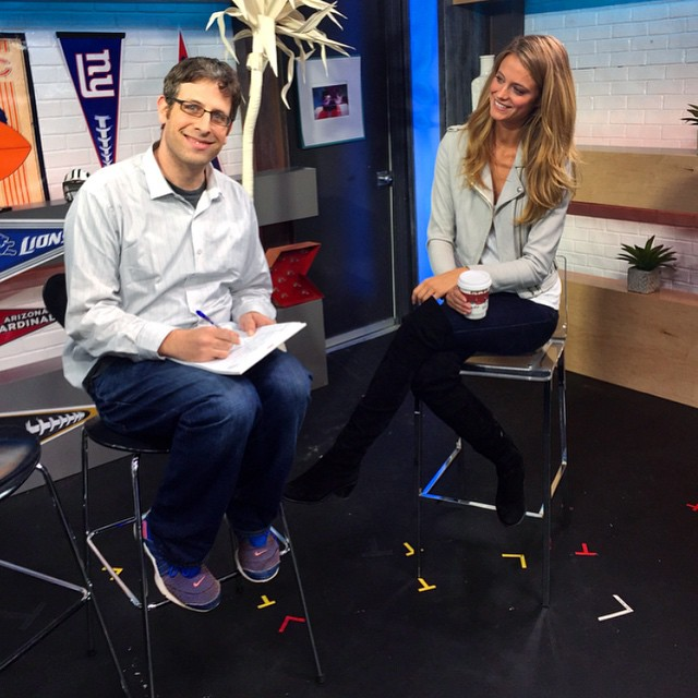 A little behind the scenes of Andy and I doing a very serious interview on the set of @sinowlive @si_swimsuit @si_vault
