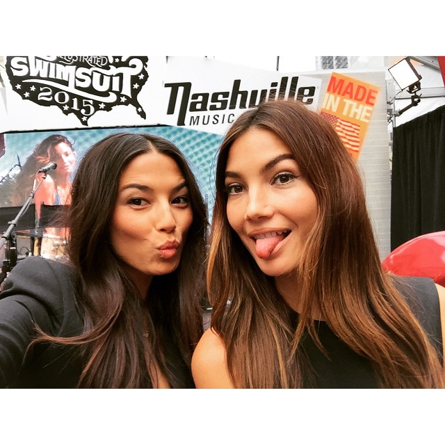 WHATS UP NEW YORK! WE ARE HERE! @lilyaldridge #swimcity @si_swimsuit