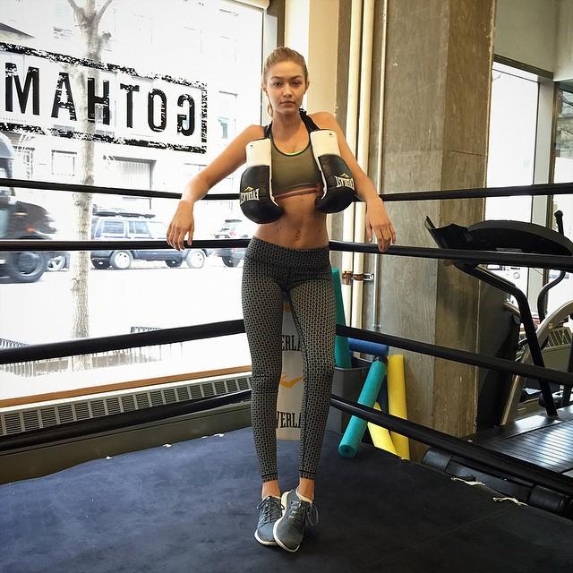 Get in the ring with @gigihadid at @gothamgym. Gigi wears @underarmour bra and @lululemon pants, styled by @jordenbickham. Watch @barbaranastacio's video on Vogue.com.