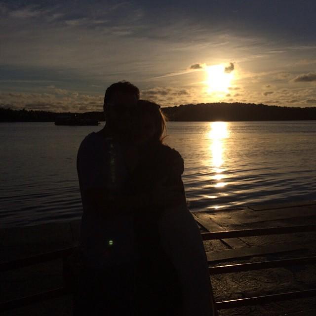 I said yes. We are engaged . E eu disse sim ! Estamos noivos . #happy #feliz #2015 @supreme_kec
