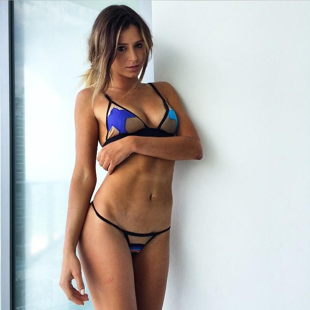 I'm having a hard time getting a date, how do you do it? @bikinireadylifestyle #TooHot2Date #bikinireadylifestyle
