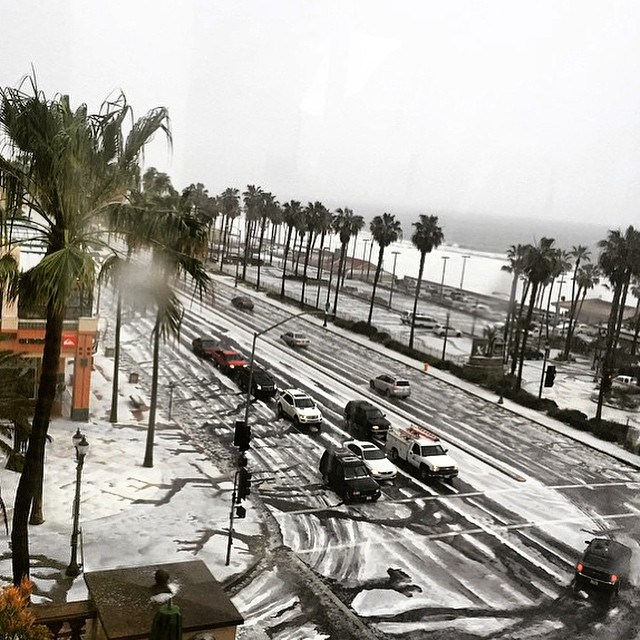 #Snowday in Huntington Beach today.. No chill