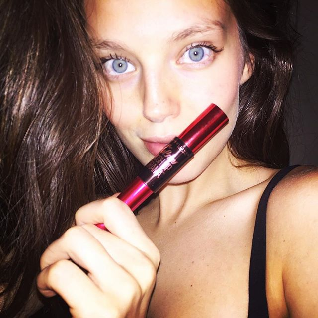 #Maybelline Push Up Mascara. A necessity when getting ready for a night out. #maybellinegirls @melbelleny @maybelline