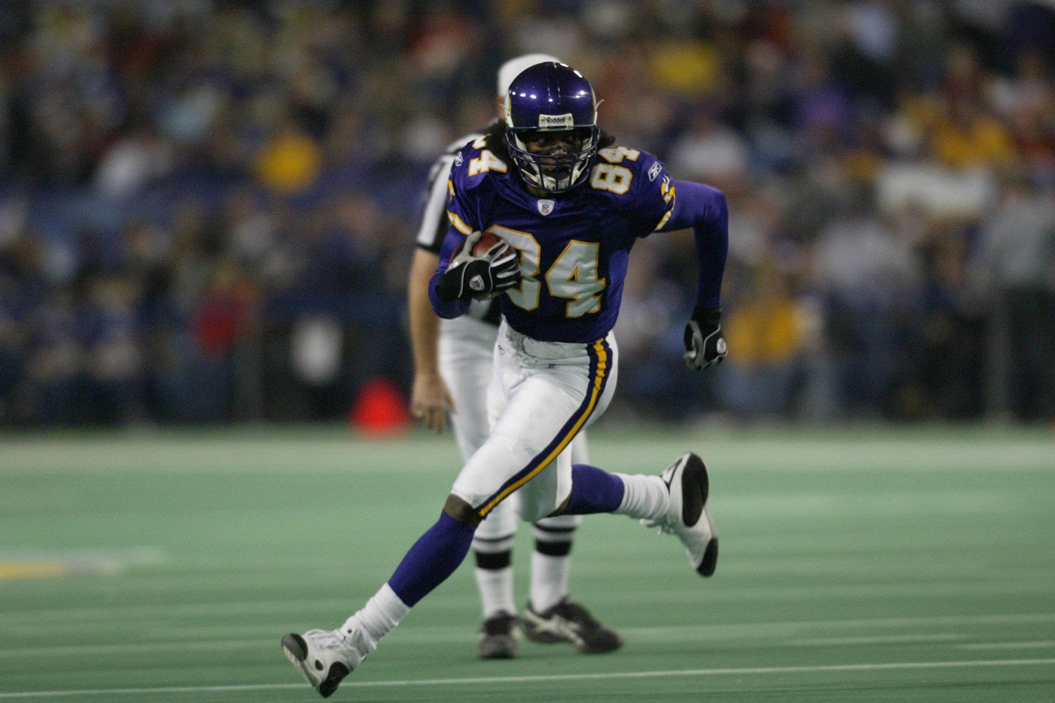 Arguably one of the greatest wide receivers of all-time, Randy Moss first came into the league when he was drafted with the 21st overall pick of the 1998 NFL Draft. Moss has played for five different teams throughout his tenure, piling up Pro-Bowl awards (7) and claiming various NFL records (22) along the way. (*Moss' time was calculated before the NFL implemented electronic timing to improve accuracy.)