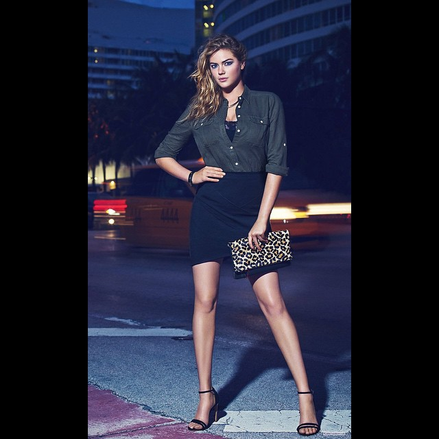 I love this look! It's perfect for a date night or a fun night out with the girls @expressrunway