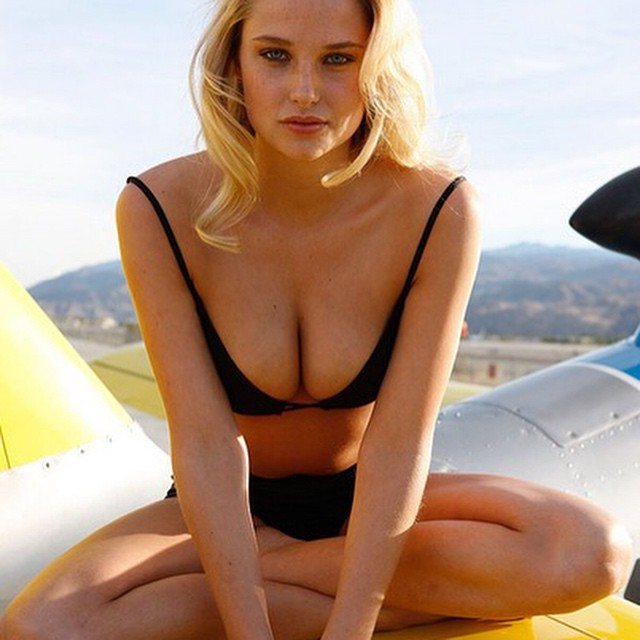 Throwback Thursday @si_swimsuit