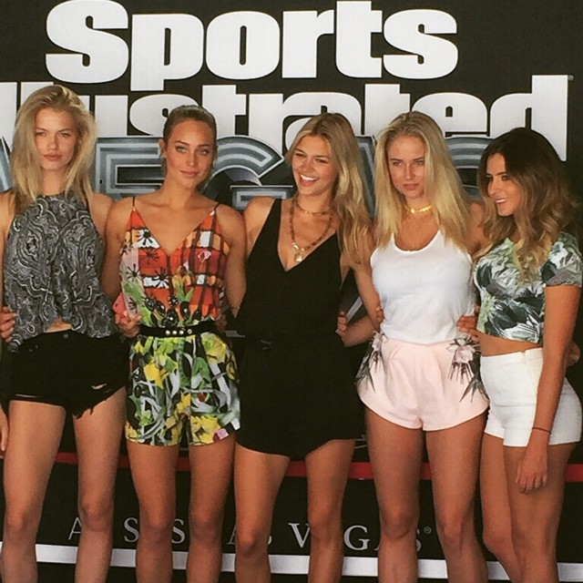 With my girls at the @slsvegas for @si_swimsuit - @haileyclauson @hanni_davis @kellyrohrbach @anastasiaashley