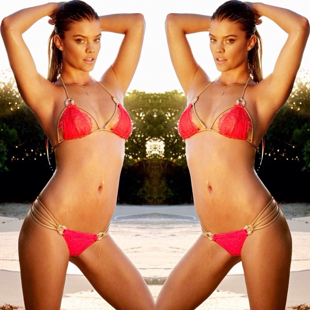 Sizzling up in our best seller 'Madagascar Glam' | Back in stock #beachbunnyswim #bikini