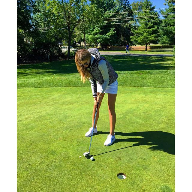Watch out PGA, I totally nailed this putt !!!! #TeamLilly @PCFLV @si_swimsuit