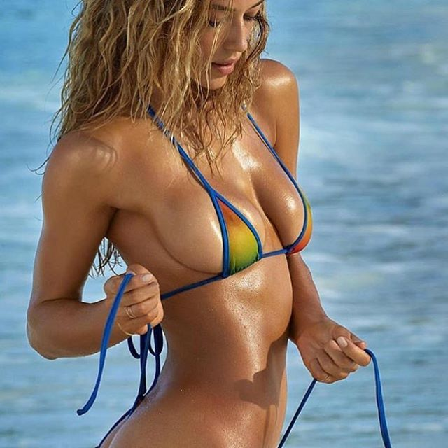 Beach @hannahfergusonofficial stars in the latest @si_swimsuit. #camera @jamesmacari #bikini #IMGstars