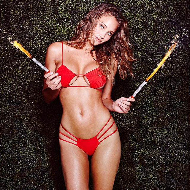 Happy 4th of July emoji Take a break from the festivities to look at our #SISummerSwim shoot with @hanni_davis (link in bio)! Shot by @marquisphoto at the @gansevoort. Hair by @adammaclay // Make-up by @britcochran10 // Swimsuit by @indahclothing #USA #siswim
