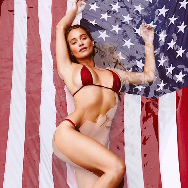 OH ME OH MY MY!!! Hannah Davis is about to set of your fireworks! Head to SwimDaily.com to check out more photos and video! #happyindependenceday #thankuslater #sisummerofswim @marquisphoto