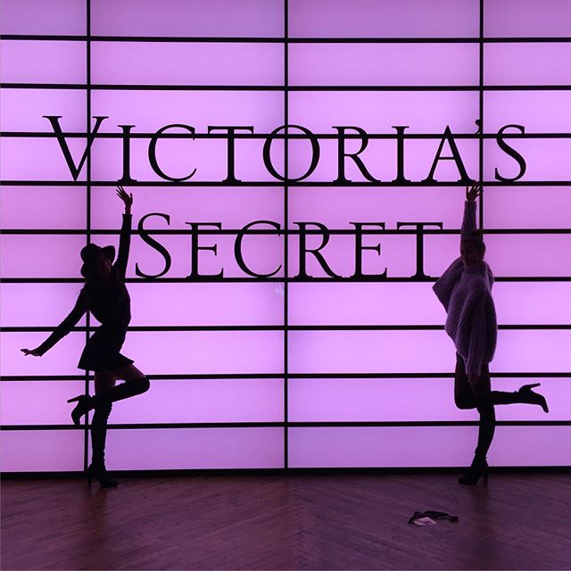 Good night Angels @victoriassecret