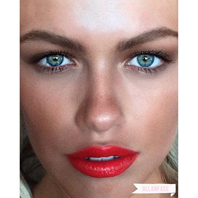 Serving face @haileyclauson @makeup: @allanface #haileyclauson #bts #orangelipstick #eyelashgame #natural #beauty #closeup #allanface