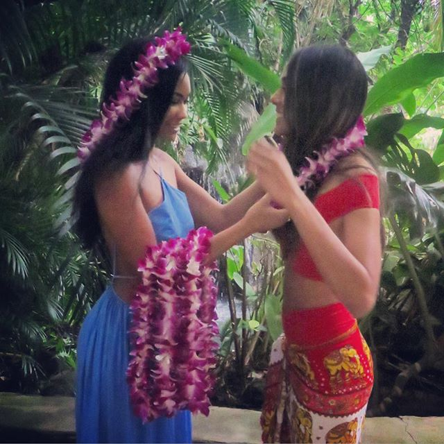 @heidydelarosa Finally got Lei'd #hawaii #luau #bff