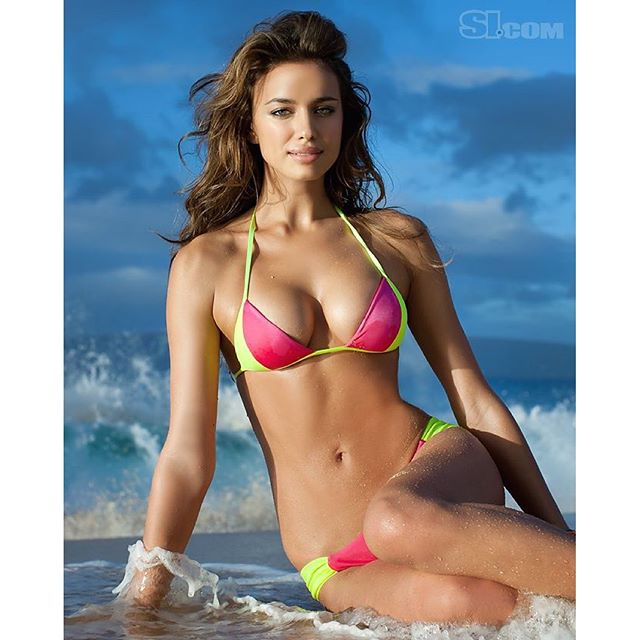 @irinashayk looking gorgeous in Hawaii for her 2011 cover shoot! Shot by @bjorniooss.